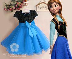 Festa Infantil Frozen - Outra linda e luxuosa inspiração de vestido no tema Frozen. Imagem da empresa Ana Giovana Moda Infantil.