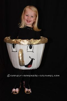 Homemade Teacup Beauty and the Beast Costume - A Very Determined Little Chip. Halloween costume co Cute Costumes, Family Costumes, Disney Costumes, Costume Ideas, Book Costumes, Creative Costumes, Cosplay Costumes, Fete Halloween, Halloween Costume Contest