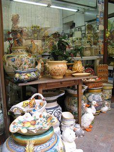 TOSCANA San Gimignano #TuscanyAgriturismoGiratola ( exquisite Italian Pottery !!)