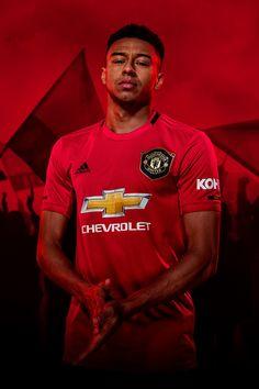 Manchester United i adidas prezentują nowe koszulki na sezon 2019 / 20 Adidas Football, Football Soccer, Football Players, Adidas Presents, Man Utd Fc, Manchester United Wallpaper, Jesse Lingard, Manchester United Players, Man United