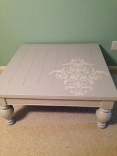 Thrifty Treasures: Coffee table makeover with Farmhouse paint.  No prep no wax!