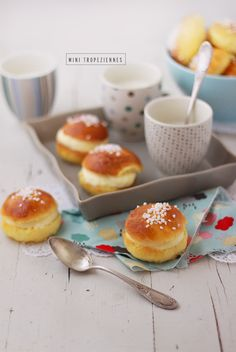 """To the radius of the stuff classified in my lists """"of the 10 things to taste bef… Desserts With Biscuits, Mini Desserts, Dessert Recipes, Good Morning Breakfast, Tea Snacks, Thermomix Desserts, Sweet Pastries, How Sweet Eats, Food Inspiration"""