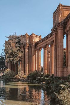 San Francisco has something for every traveller. Here are the 50 best things to do in San Francisco that you should add to your West Coast bucket list! Beautiful Architecture, Beautiful Buildings, Art And Architecture, Beautiful Places, San Francisco Architecture, Nature Aesthetic, Travel Aesthetic, Aesthetic Backgrounds, Aesthetic Wallpapers