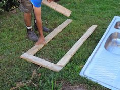 Recycling Fun with Rubbish and Pallets! - The Empowered Educator Outdoor Play Kitchen, Mud Kitchen For Kids, Kids Outdoor Play, Backyard For Kids, Backyard Projects, Building A Trellis, Den Building, Beginner Woodworking Projects, Woodworking Plans