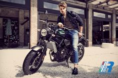 J Jeans Goes Faster: Nasce la partnership tra Yamaha e Jeckerson http://www.italiaonroad.it/2016/06/01/j-jeans-goes-faster-nasce-la-partnership-tra-yamaha-e-jeckerson/