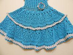 Vestido para niña con una blusa muy facil y diferente, la falda igual el tejido es sencillo y bonito, con 360 grs se puede tejer para talla 3 a 4 años