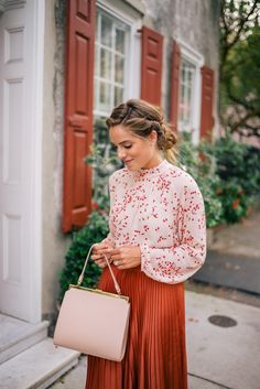 Gal Meets Glam Fall Colors In Charleston -Express top, skirt pumps c/o, Mansur Gavriel bag Modest Outfits, Skirt Outfits, Modest Fashion, Classy Outfits, Fashion Outfits, Jw Fashion, Fashion 2020, Fashion Watches, Fashion Women