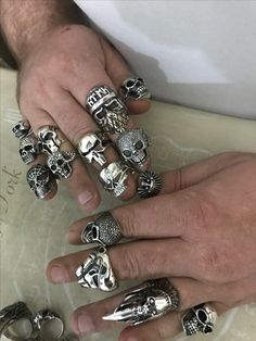 Punk Jewelry, Skull Jewelry, Hippie Jewelry, Gothic Jewelry, Beaded Jewelry, Skull Rings, Bholenath Tattoo, Biker Rings, Homemade Jewelry