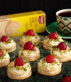 Glutensiz bisküviyle mini pastacıklar