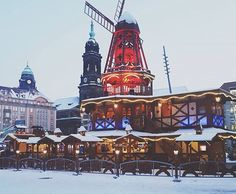 """Auf dem Altmarkt """"Dresdner Winterzauber"""""""