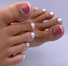 Semi-permanent varnish, false nails, patches: which manicure to choose? - My Nails Pretty Toe Nails, Cute Toe Nails, Fancy Nails, Toe Nail Color, Toe Nail Art, Nail Colors, Nail Art Pieds, Hair And Nails, My Nails