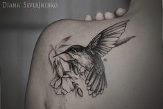 hummingbird watercolor tattoo - 55 Amazing Hummingbird Tattoo Designs by lydia Side Tattoos, New Tattoos, Floral Tattoos, Geometric Tattoos, Tatoos, Pretty Tattoos, Beautiful Tattoos, Vogel Tattoo Rippen, Honeysuckle Tattoo