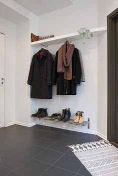 HOW TO ORGANIZE SMALL HALLWAYS? Cleo-inspire BLOG