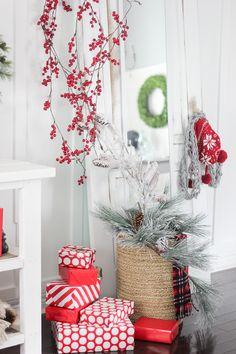 Craftberry Bush | 2015 Christmas Home Tour – Part I | http://www.craftberrybush.com