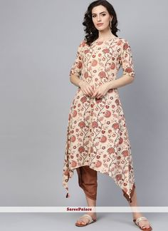 Genuine magnificence will come out through the dressing style and design with this multi colour cotton party wear kurti. The print work looks chic and great for festival. Kurtis Online India, Designer Kurtis Online, Designer Gowns, Dress Neck Designs, Designs For Dresses, Kurti Designs Party Wear, Kurta Designs, Long Kurti With Jeans, Tunic Tops For Leggings