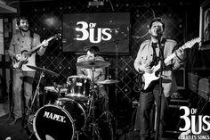 """No domingo, dia 15, a banda 3 of Us faz apresenta o show """"Beatles Song"""" no Cult Club Cine Pub, a partir das 20h30. Os ingressos custam R$ 10."""