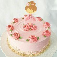 Um charminho de bolo bailarina.  Inspiração do ig @festejandoemcasaoficial por @doce_e_arte ...