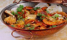 English is FUNtastic: Authentic Portuguese Cuisine - video Seafood Gumbo, Seafood Market, Seafood Pasta Recipes, Seafood Dishes, Algarve, Portuguese Recipes, Portuguese Food, World Recipes, Fish Dishes