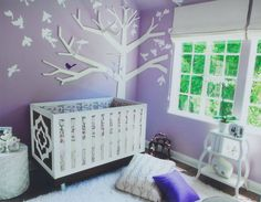 Can you guess which celebrity tot gets to sleep in this beautiful nursery? (+ more celebrity nurseries to inspire)