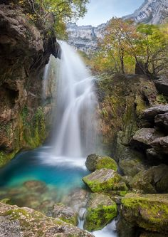 Discover the world through photos. Beautiful Places To Visit, Beautiful World, Simply Beautiful, Places To Travel, Places To See, Beautiful Waterfalls, Vacation Spots, Travel Around, Strand