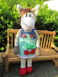 Rockabilly-Pony ♥ crocheted by Schneckenkind-Raphaelo Crochet Horse, Crochet Animals, Crochet Dolls, Knit Crochet, Baby Knitting Patterns, Crochet Patterns, Crochet Humor, Hello To Myself, Ideas