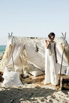 70 Romantic Boho Beach Wedding Ideas | HappyWedd.com