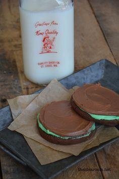 Mint chocolate brownie cookies! Yum!