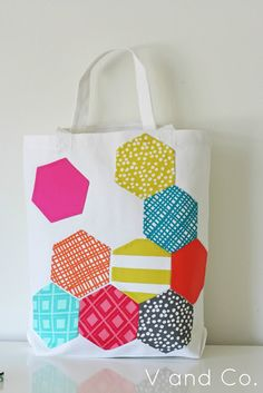 V and Co.: V and Co: how to: hexagon appliqued bag