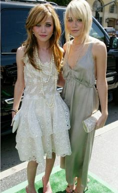 the hair, the makeup, the clothes, and the effortlessly chic attitude! Mary Kate and Ashley are style icons.