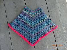 mijn eigen creatie - crochet poncho kids neon
