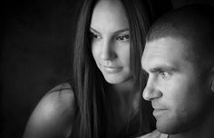 Powerful and evocative images, produced in black and white make couple portrait photography a rewarding experience at Freedom Photography in Willagee Western Australia