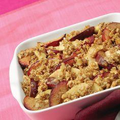 Apple plum Crisp Recipe- replace imitation with real butter and use my aging peaches Plum Pie, Plum Tart, Plum And Apple Crumble, Apple Crisp, Fun Desserts, Delicious Desserts, Dessert Recipes, Creative Desserts, Dessert Ideas