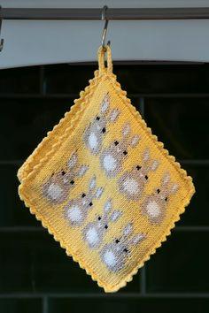 "1907-8b ""Påskehare""-grytekluter Knitted Hats, Crochet Hats, Vikings, Crochet Top, Knitting, Norway, Women, Tejidos, Threading"