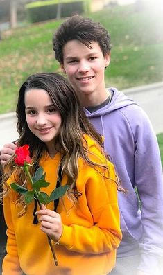 Annie Leblanc & Hayden Summerall starring in the chicken girls movie! Go check it out if you haven't already 🍿 🎥