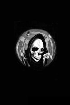Grim Reaper In A Spyhole - The iPhone Wallpapers Gothic Wallpaper, Black Aesthetic Wallpaper, Dark Wallpaper, Aesthetic Wallpapers, Iphone Wallpaper, Foto Fantasy, Arte Obscura, Skeleton Art, Grim Reaper