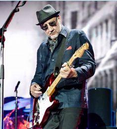 Pete Townshend, My Generation, Rock Music, Rock Bands, Rock N Roll, Singer, Legends, Moon, Magic