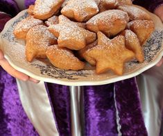 Mardi Gras Carnival, Carnival Food, Pretzel Bites, French Toast, Bread, Breakfast, Desserts, Calories, Biscuits