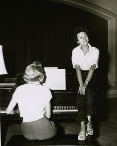 Rita Morino Sings At The Hollywood Studio Club