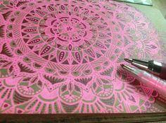 Mandala step 2 ✏ lápices gel en colores neón ARTEL. Me encantan! #mandalas #doodling #doodles #moleskine #notebook #stressrelief #pink #instadoodle #zentangle #gelpen #neon #artel #artelchile #Santiago #Chile @artelchile @nacional_libreria