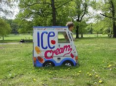 Cardboard ice cream truck playhouse | Perfect for an ice cream themed summer birthday party