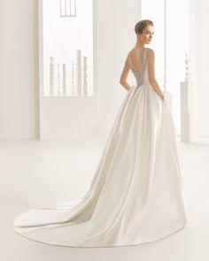 DELIA vestido de encaje y garza de seda.