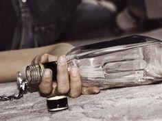 Rüyada ramazanda içki içmek: Rüyada ramazanda keyfinden içki içmek rüyayı gören kişinin boşluğa düşmesi nedeniyle işleyeceği bir günaha ya da suça tabir olunur. Rüyada ramazanda kahrından içki içme…