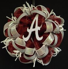 Alabama Crimson Tide Bama wreath for bama fans only Alabama Football Wreath, Alabama Wreaths, Football Baby, Football Season, Mesh Ribbon Wreaths, Deco Mesh Wreaths, Alabama Crafts, Crafts To Do, Diy Crafts