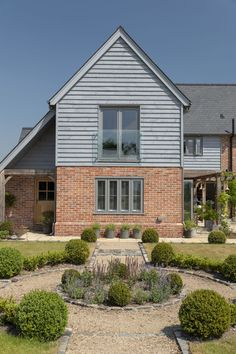 Replacing a large, ramshackled collection of old brick buildings has resulted in a truly beautiful new Border Oak home in a secluded location Wood Cladding Exterior, Cedar Cladding, House Cladding, Facade House, Tudor House Exterior, Bungalow Exterior, Style At Home, Barn House Conversion, Border Oak