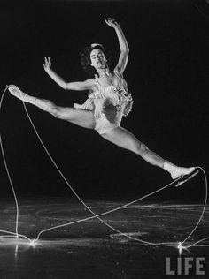 Gjon Mili, Patineuse, Carol Lynne, 1945