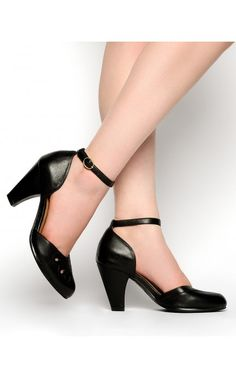 Pinup Girl Clothing- 1940s Foxtrot Pump in Black | Pinup Girl Clothing