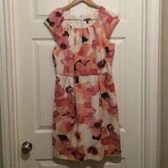 Floral Dress Beautiful floral dress with pockets Apt. 9 Dresses