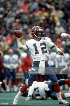 #12 -Jim Kelly - 1984 - Buffalo Bills Buffalo Bills Football, Football Stuff, School Football, Nfl Football Players, Football Helmets, Jim Kelly, Football Conference, Steeler Nation, Vintage Football