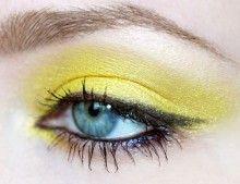 Yellow dust eyeshadow.