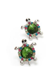 Crystal Turtle Earrings. Reminds me of the Sea Turtles we saw in Hawaii!!!